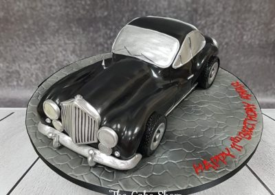 Birthday Cake - Classic car design