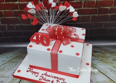 Birthday / Anniversary Cake - 40th - Heart decor in present shape