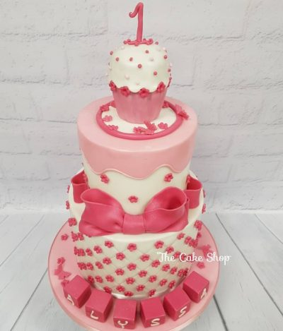 Groovy Cake Shop Leicester Wedding Cakes Eggless Cakes Vanilla Cakes Funny Birthday Cards Online Elaedamsfinfo
